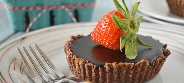 Mini Chocolate Hazelnut Tart {paleo, vegan, raw} | Our Paleo Life